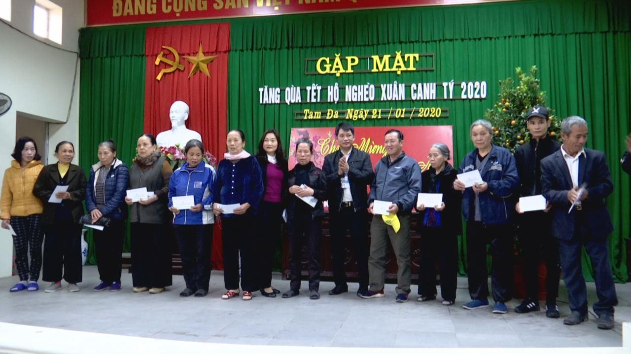 Vietcombank Bắc Ninh tặng quà Tết cho các hộ nghèo trong tỉnh