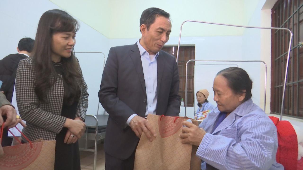Phó Chủ tịch UBND tỉnh Nguyễn Văn Phong thăm, chúc Tết  Bệnh viện sức khỏe tâm thần tỉnh