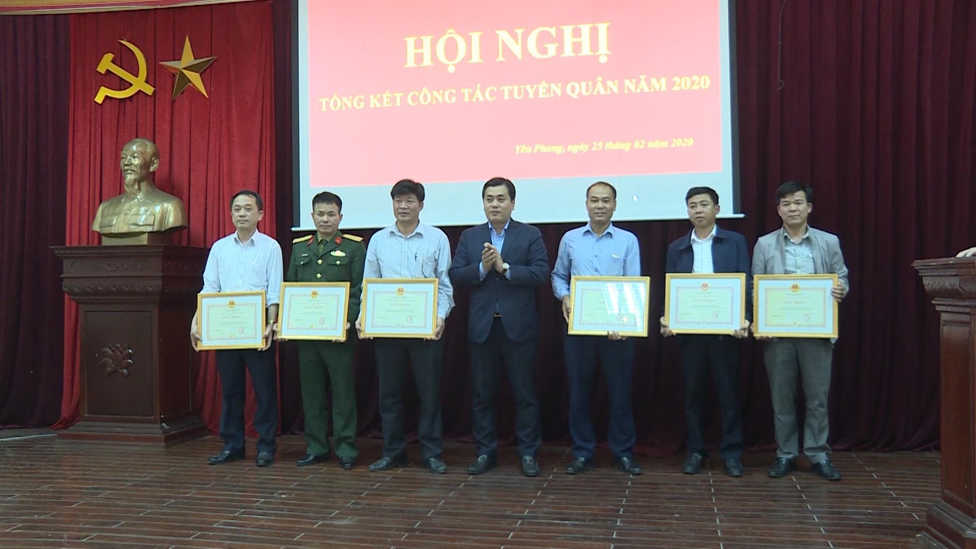 Huyện Yên Phong tổng kết công tác tuyển quân năm 2020