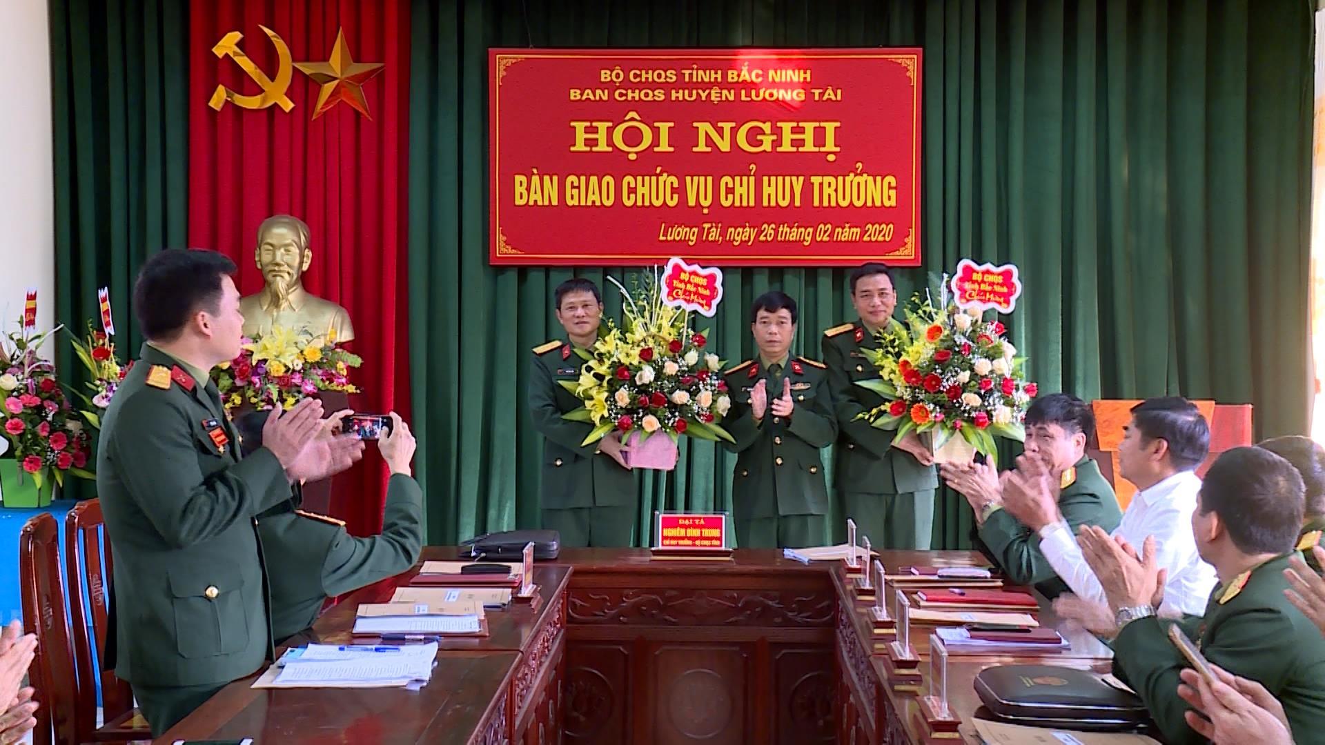 Bàn giao chức vụ Chỉ huy trưởng Ban CHQS huyện Lương Tài