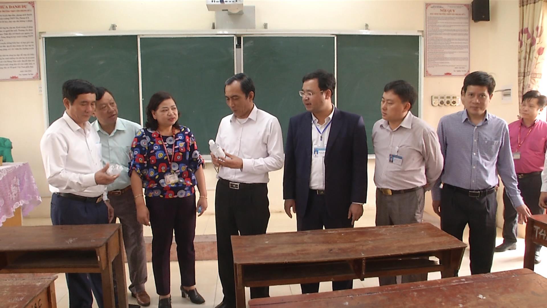 Lãnh đạo tỉnh kiểm tra công tác chuẩn bị cho học sinh trở lại trường