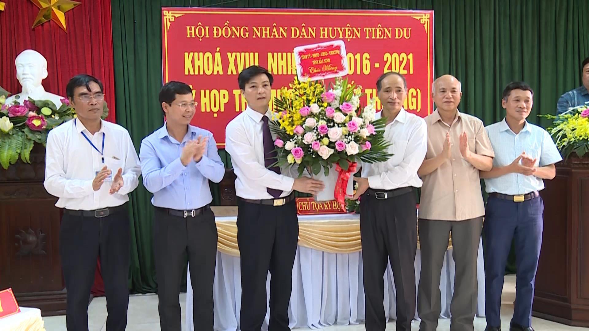 HĐND huyện Tiên Du khóa XVIII tổ chức Kỳ họp thứ 12 bất thường  nhiệm kỳ 2016-2021