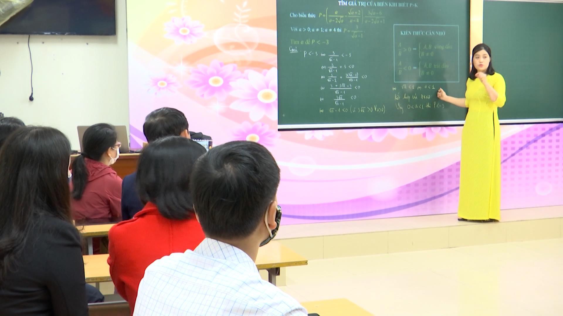 Nghiêm cấm việc tập trung học sinh, nhóm học sinh để tổ chức dạy thêm học thêm trái quy định