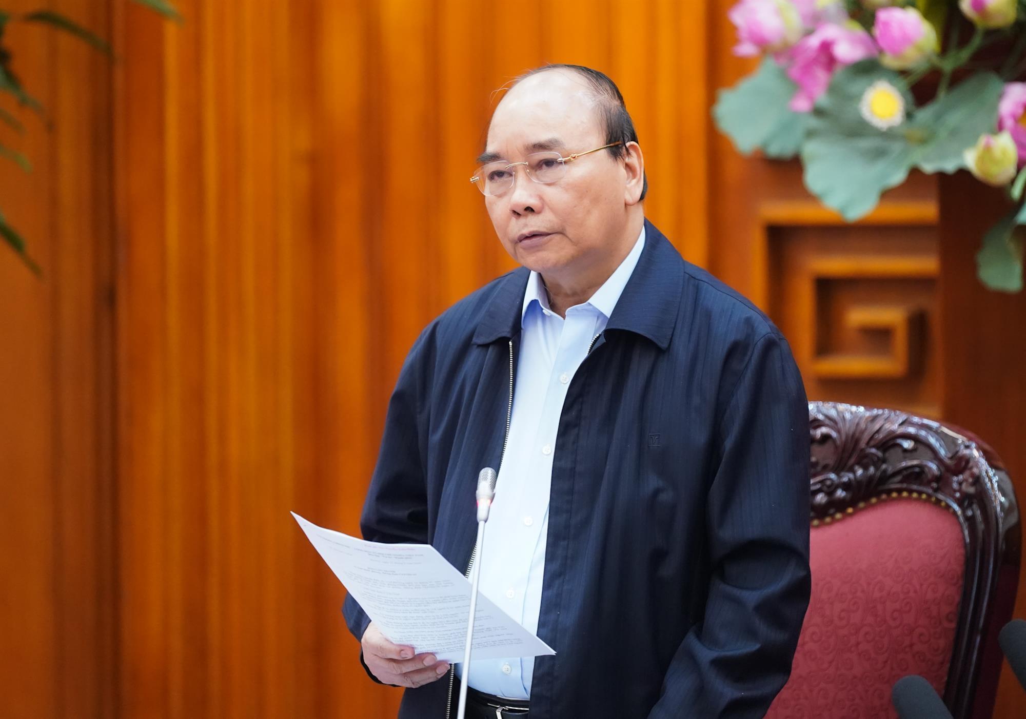 Thủ tướng: Tạm dừng mọi hoạt động hội họp, tập trung trên 20 người