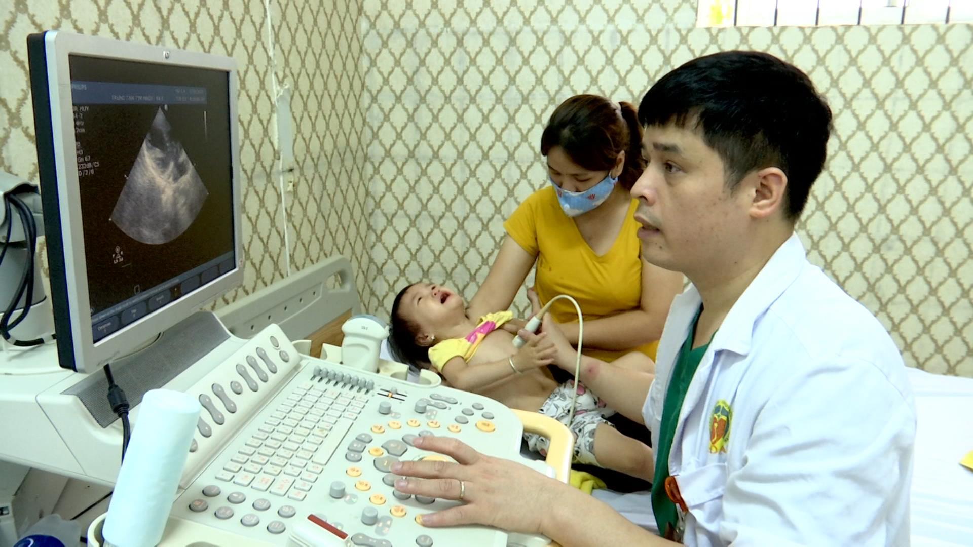 Khám miễn phí dị tật tim bẩm sinh cho trẻ em nghèo, cận nghèo và trẻ có hoàn cảnh khó khăn