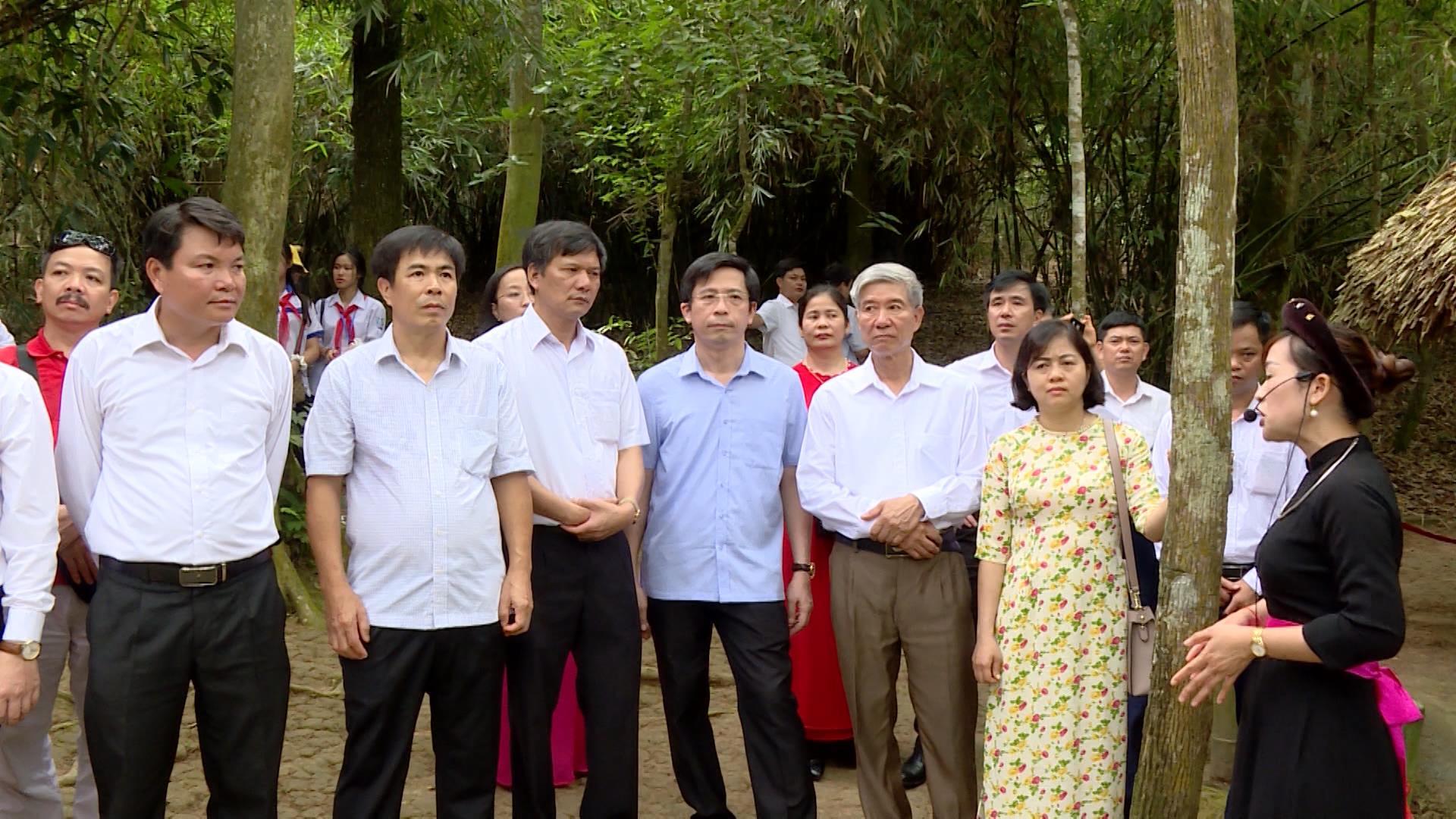 Ban Tuyên giáo Tỉnh ủy hành trình về nguồn tại các Khu di tích lịch sử  2 tỉnh Tuyên Quang và Thái Nguyên