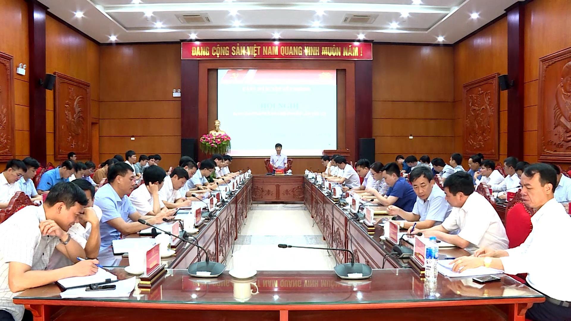 Ban Chấp hành Đảng bộ huyện Yên Phong nhiệm kỳ 2020 – 2025  tổ chức kỳ họp thứ 3, triển khai nhiệm vụ 6 tháng cuối năm 2020