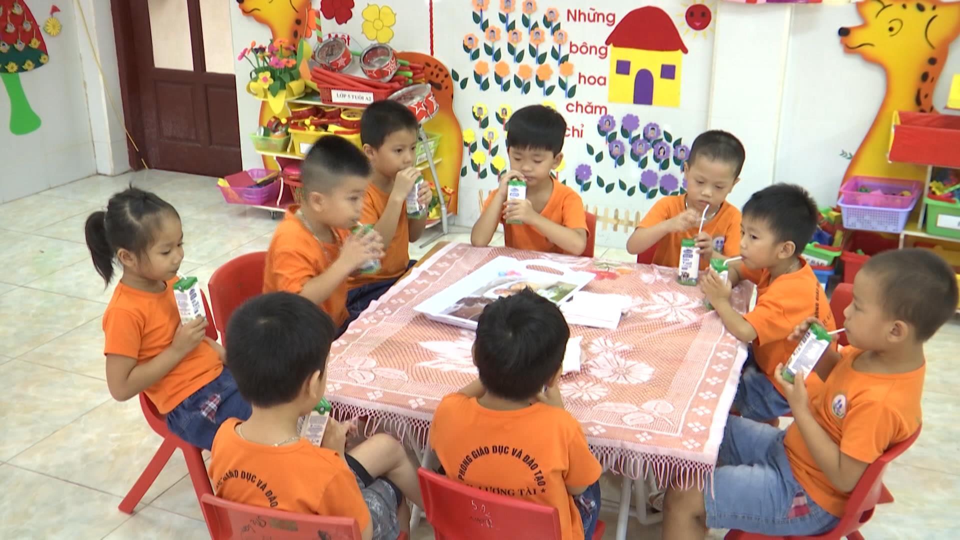 """Cơ sở giáo dục Mầm non từ 30 trẻ trở lên được thụ hưởng """"Sữa học đường"""""""