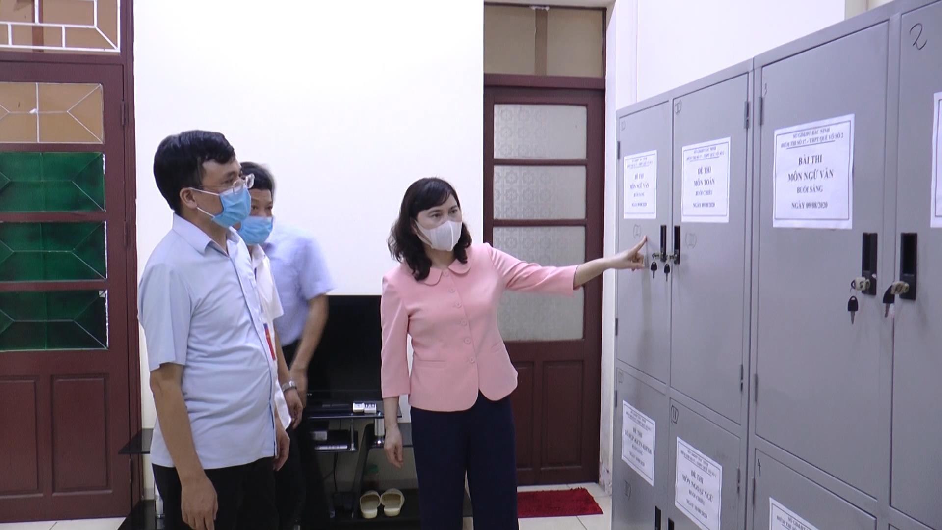 Phó trưởng Đoàn ĐBQH tỉnh Trần Thị Hằng kiểm tra công tác chuẩn bị Kỳ thi tốt nghiệp THPT năm 2020