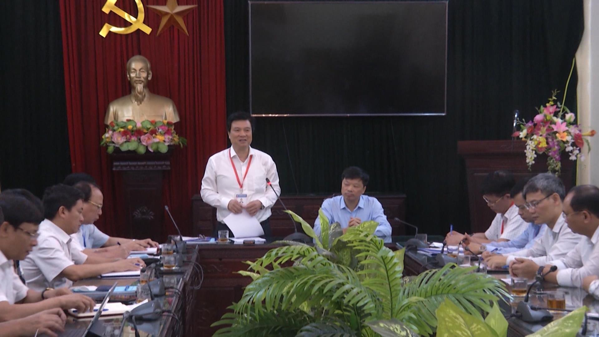 Thứ trưởng Bộ Giáo dục và Đào tạo Nguyễn Hữu Độ kiểm tra  công tác chuẩn bị thi tốt nghiệp Trung học Phổ thông tại tỉnh Bắc Ninh