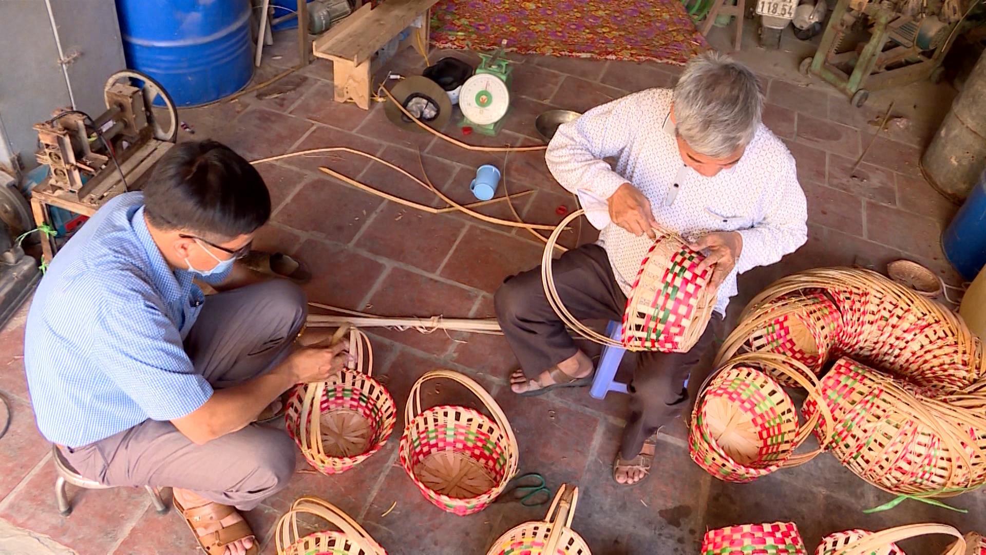 Duy trì sản xuất đảm bảo sinh kế cho người dân qua mùa dịch
