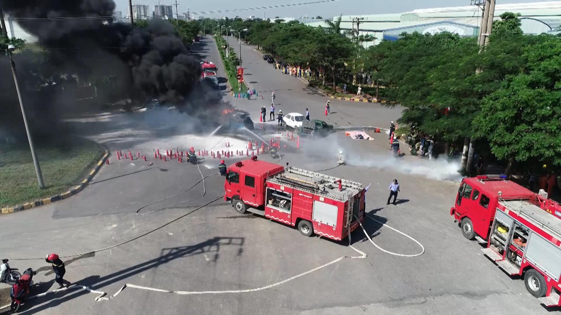 Diễn tập phương án chữa cháy và cứu nạn, cứu hộ tại Khu Công nghiệp Tiên Sơn