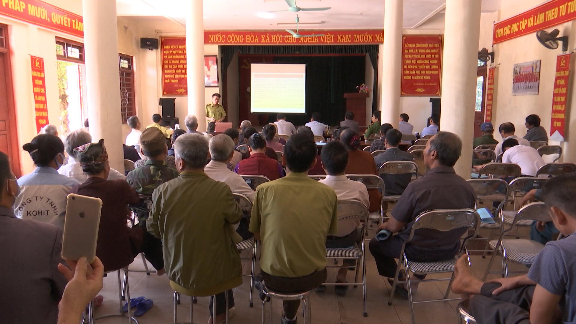 Tập huấn phổ biến pháp luật bảo vệ rừng, phát triển rừng  và phòng cháy chữa cháy rừng