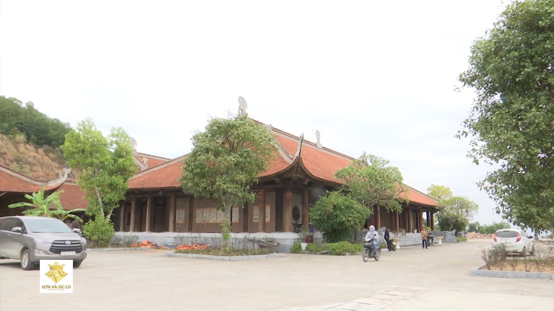 Thăm khu di tích chùa Dạm