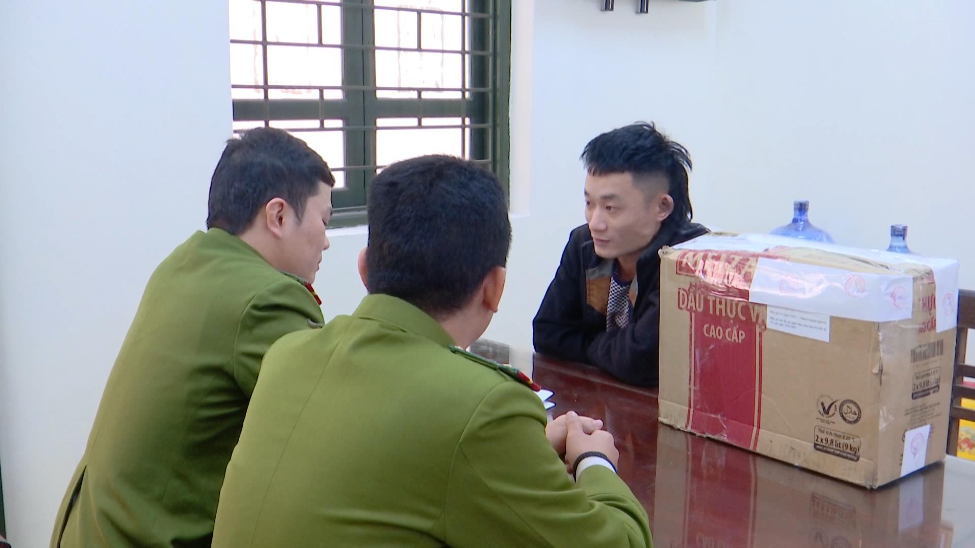 Quế Võ bắt quả tang đối tượng buôn bán pháo hoa nổ