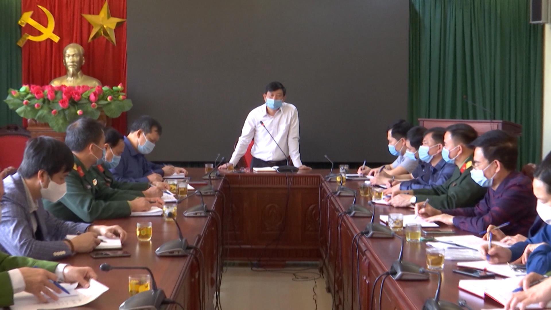 Phó Chủ tịch UBND tỉnh Ngô Tân Phượng kiểm tra phòng dịch tại Thuận Thành