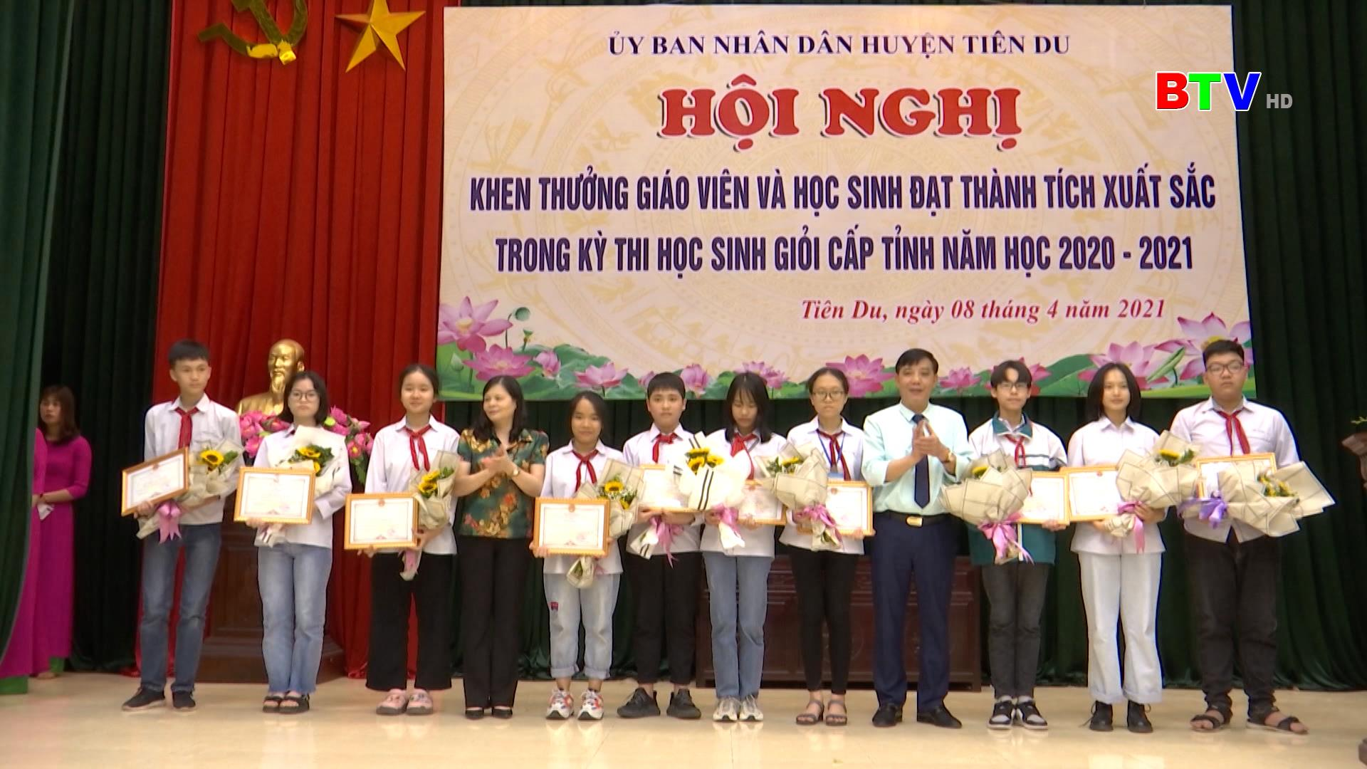 Tiên Du tuyên dương giáo viên, học sinh giỏi cấp tỉnh năm 2021