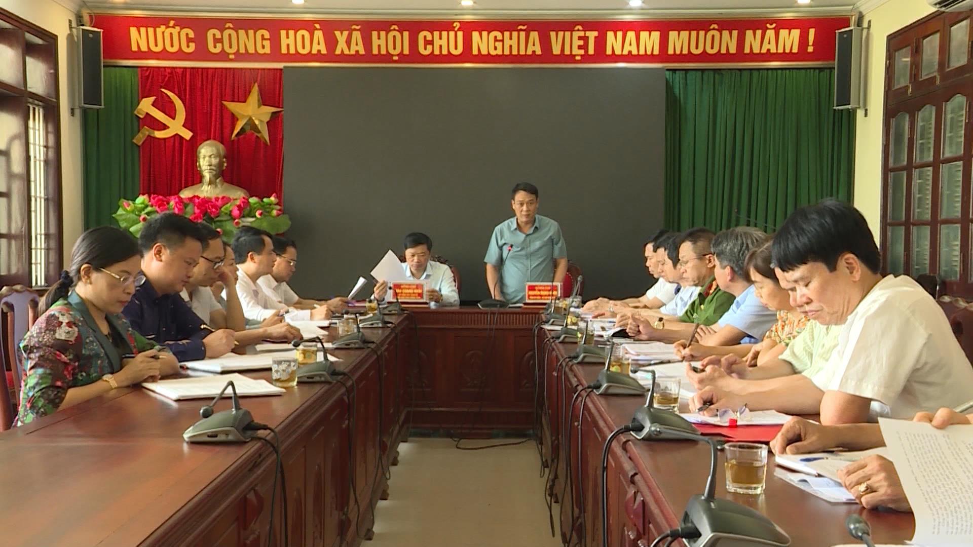 Phó Chủ tịch UBND tỉnh Đào Quang Khải kiểm tra công tác  chuẩn bị bầu cử tại Thuận Thành