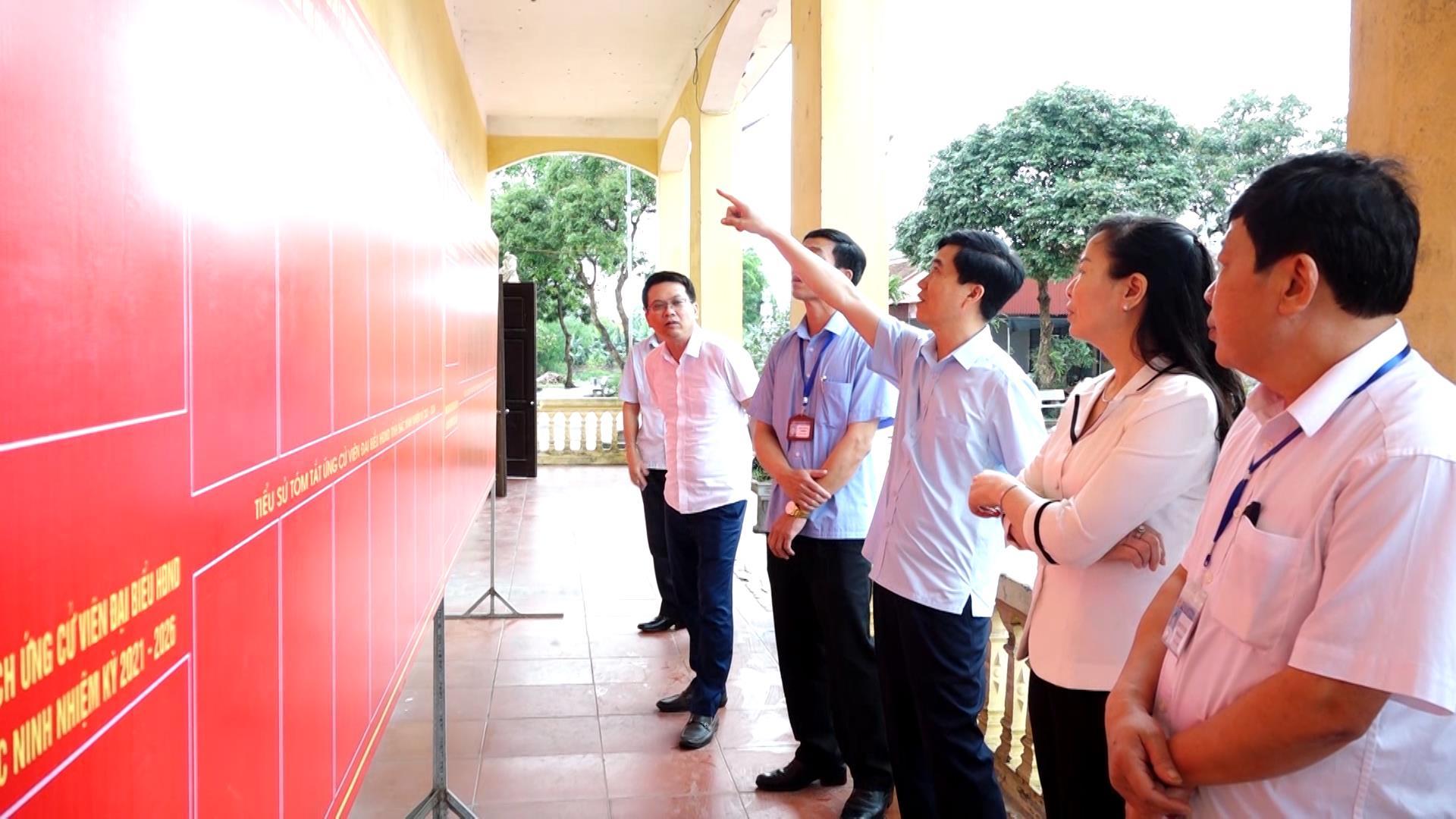 Trưởng ban Tuyên giáo Tỉnh ủy kiểm tra công tác chuẩn bị bầu cử tại huyện Gia Bình