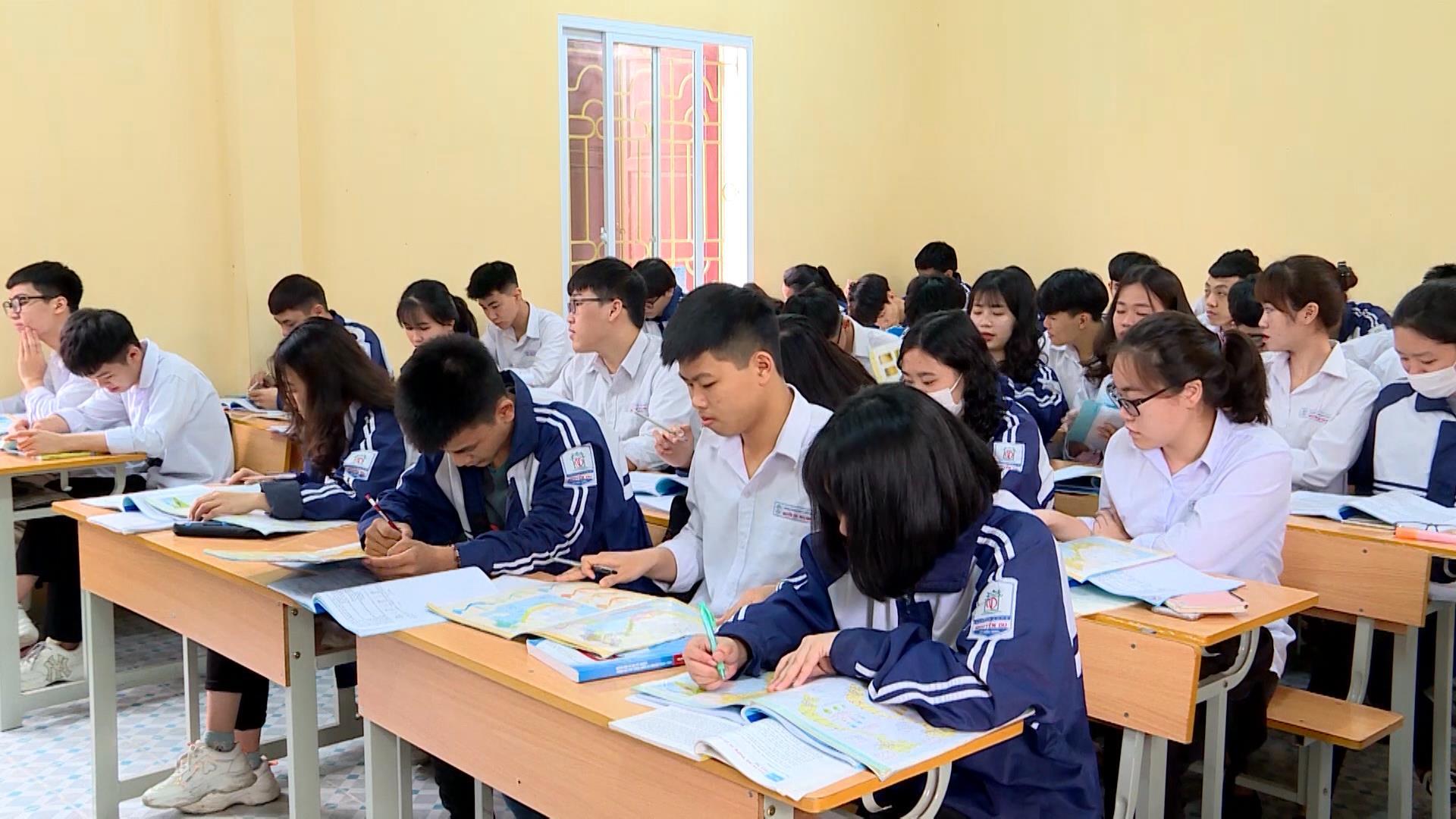 Tập trung ôn luyện cho học sinh cuối cấp THPT