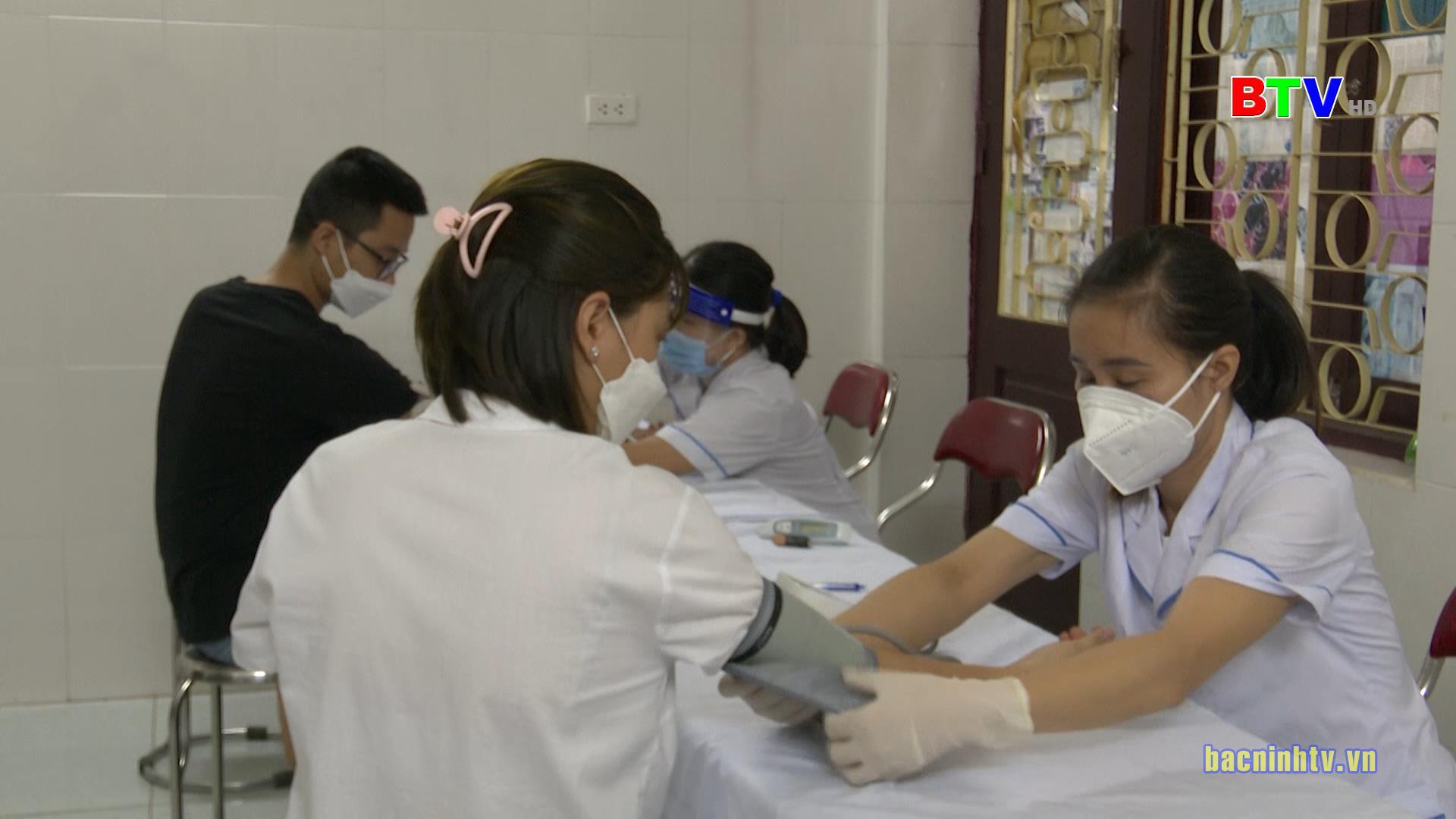 Triển khai tiêm vắc xin phòng Covid-19 Vero Cell của hãng Sinopharm