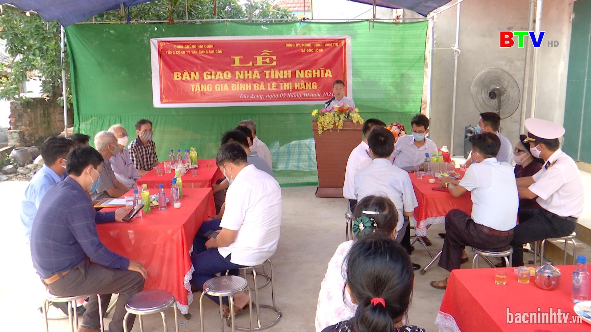 """Trao """"Nhà tình nghĩa"""" cho gia đình liệt sỹ tại huyện Quế Võ"""