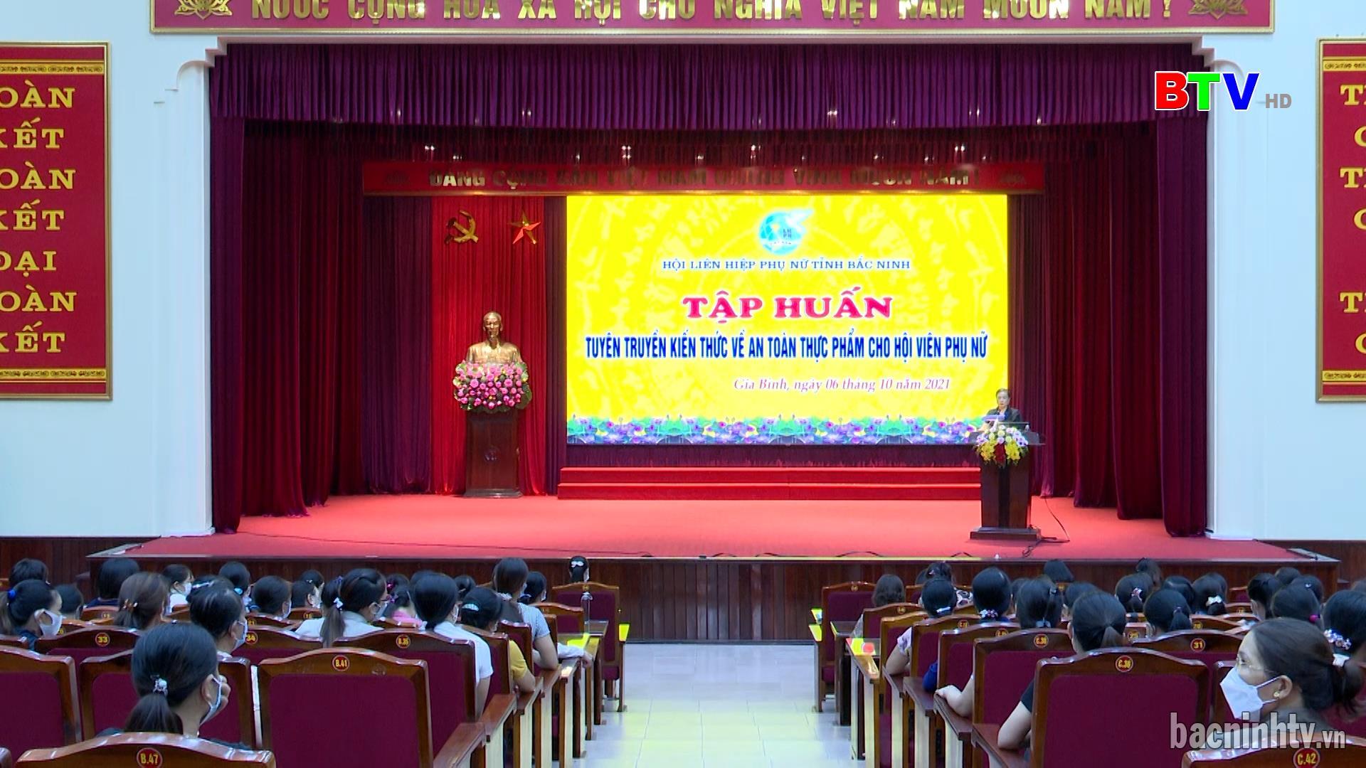 Hội LHPN tỉnh tập huấn kiến thức vệ sinh ATTP tại Gia Bình