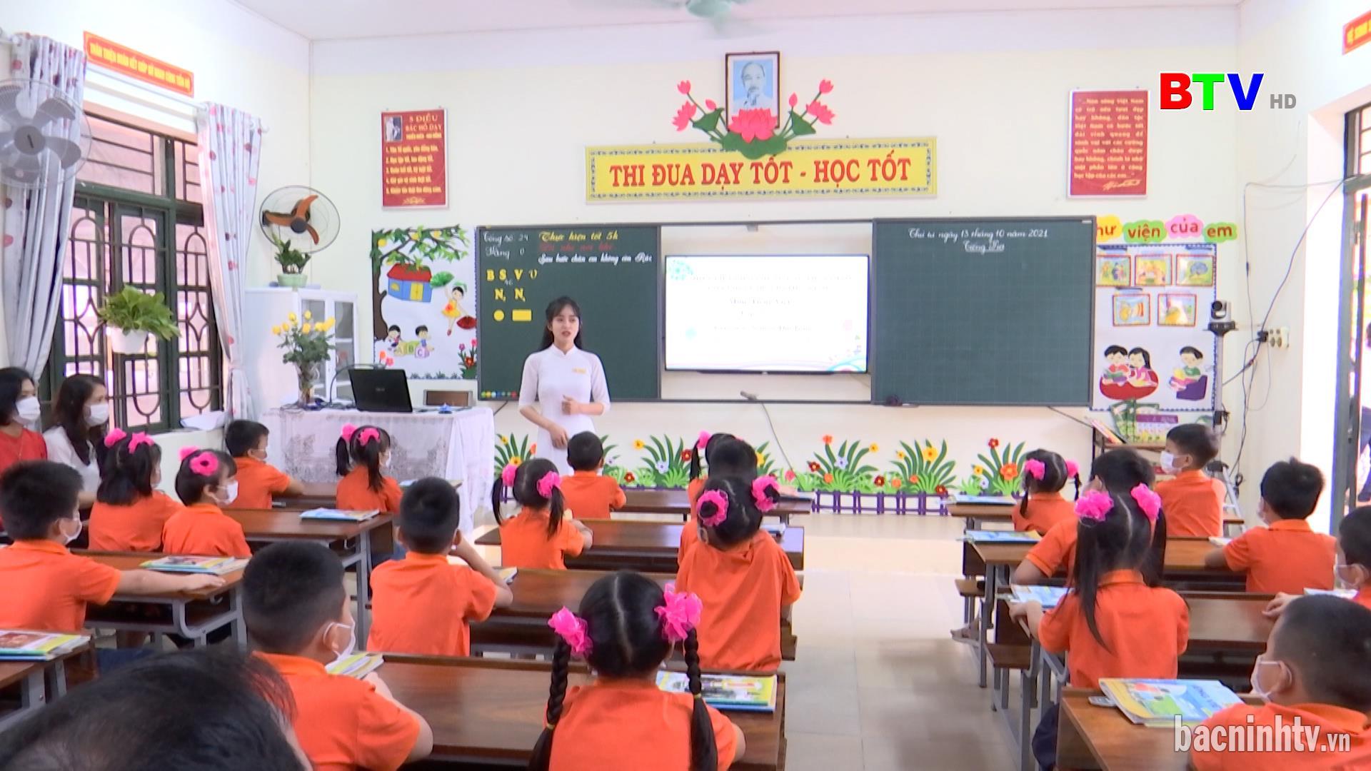 Tháo gỡ khó khăn thực hiện Chương trình sách giáo khoa lớp 2 mới