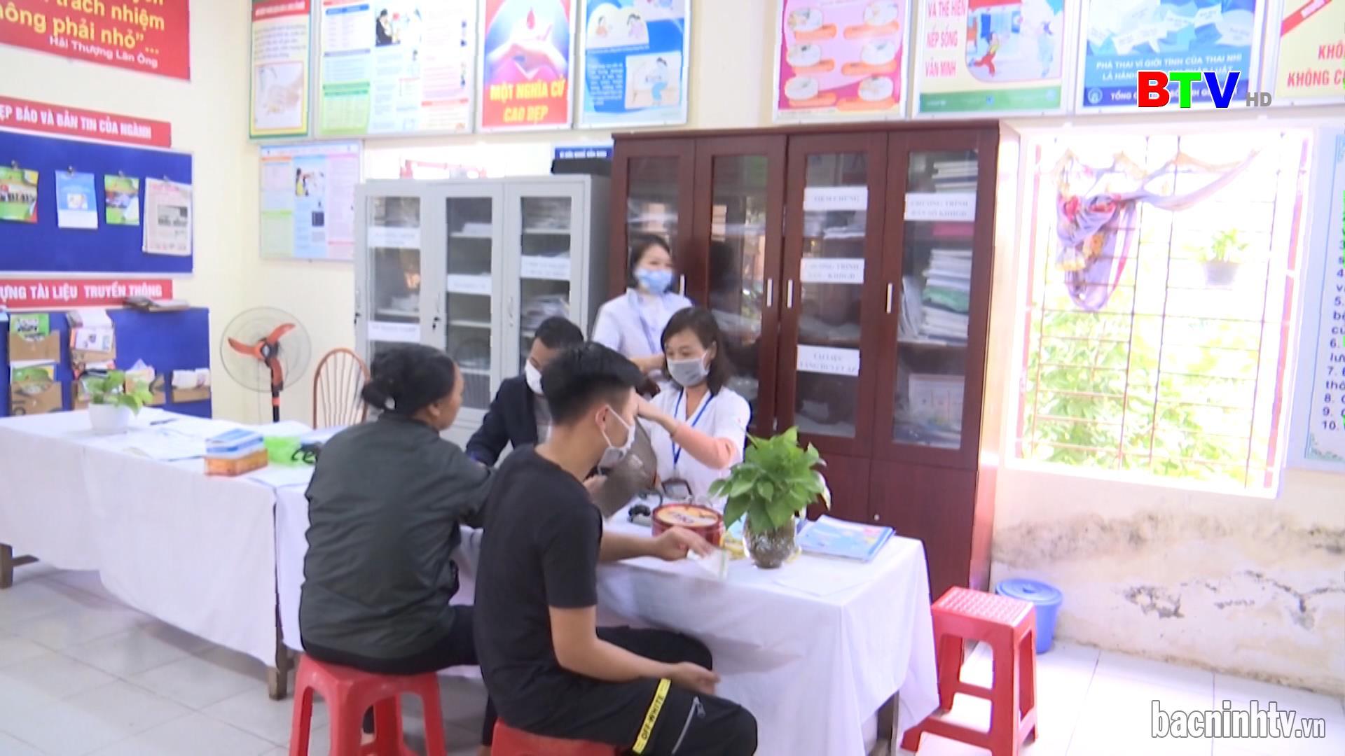 Triển khai Trạm Y tế lưu động và Tổ Chăm sóc người nhiễm Covid-19